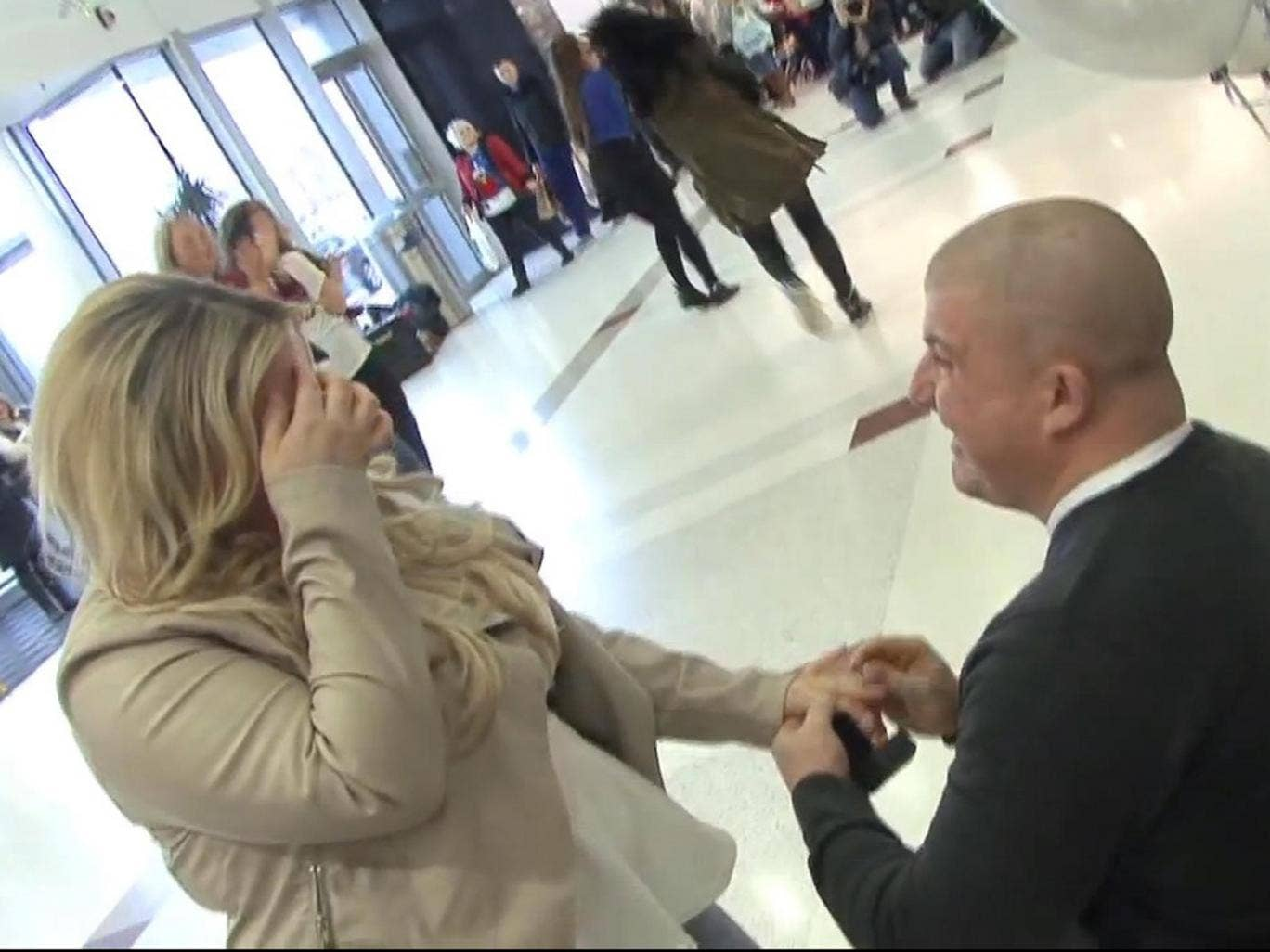 Moment of troth: Bobby Beattie proposes to girlfriend Laura in the Braehead Shopping Centre