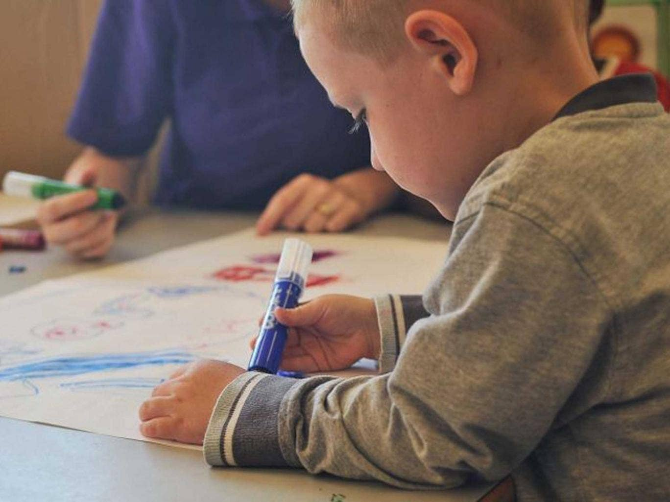 Free childcare helps mothers of young children to earn again