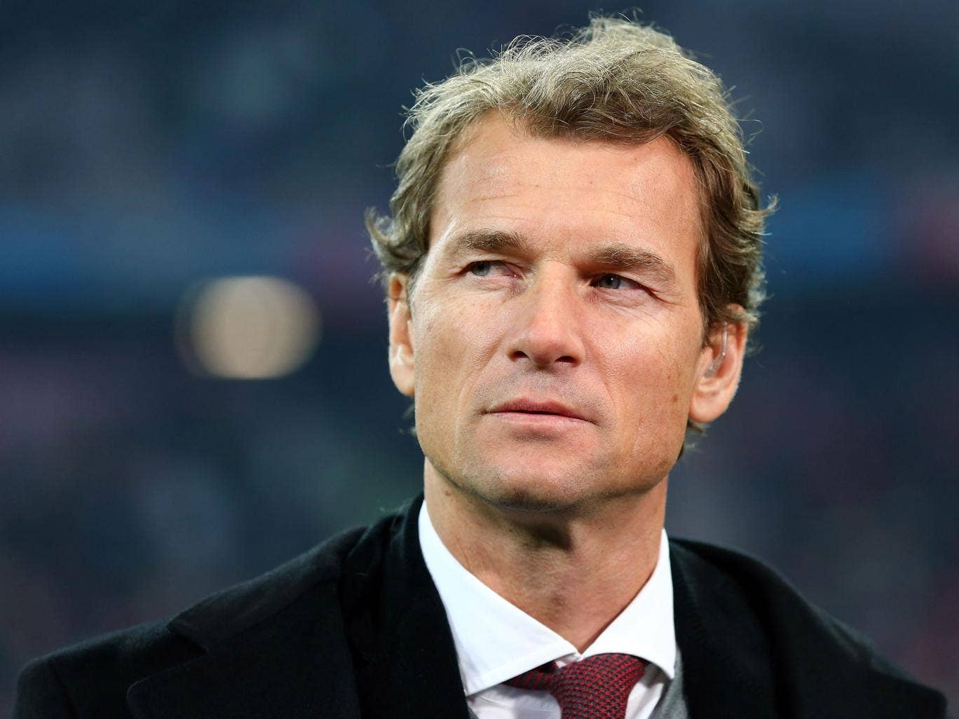 Jens Lehmann has offered a £2,000 reward for anyone that can return a bag and contents that he had stolen from him in London