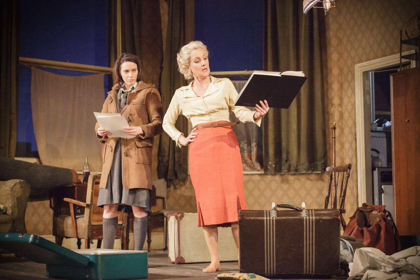 Kate O'Flynn (Jo) and Lesley Sharp (Helen) in 'A Taste of Honey' at the National Theatre