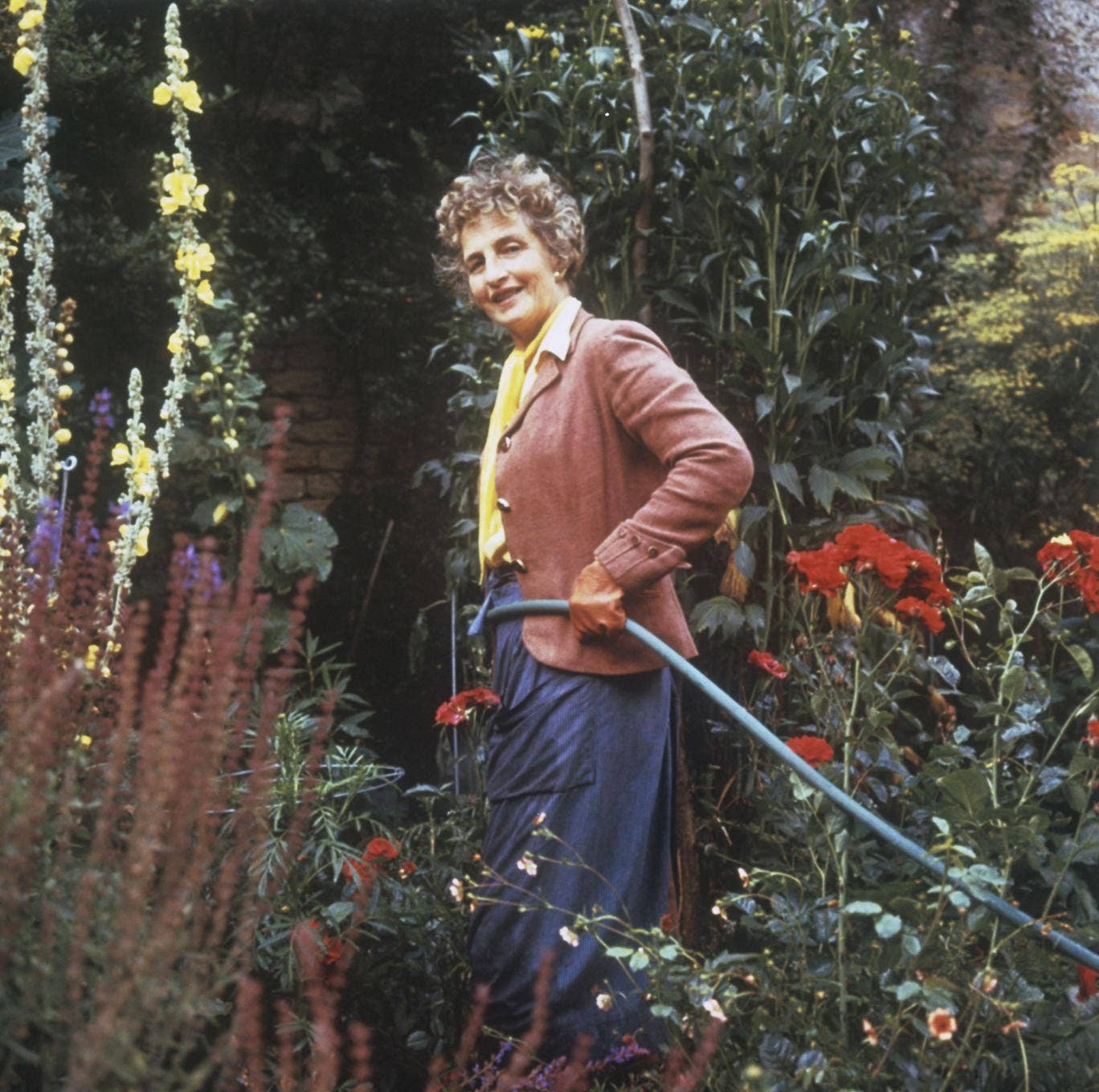 Nancy Lancaster, who popularised the English country house style
