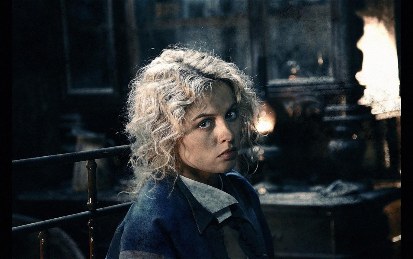 Yanina Studilina in a scene from 'Stalingrad'