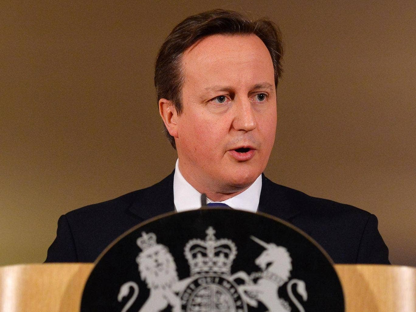 David Cameron does not want to enter into another coalition if there is another hung parliament