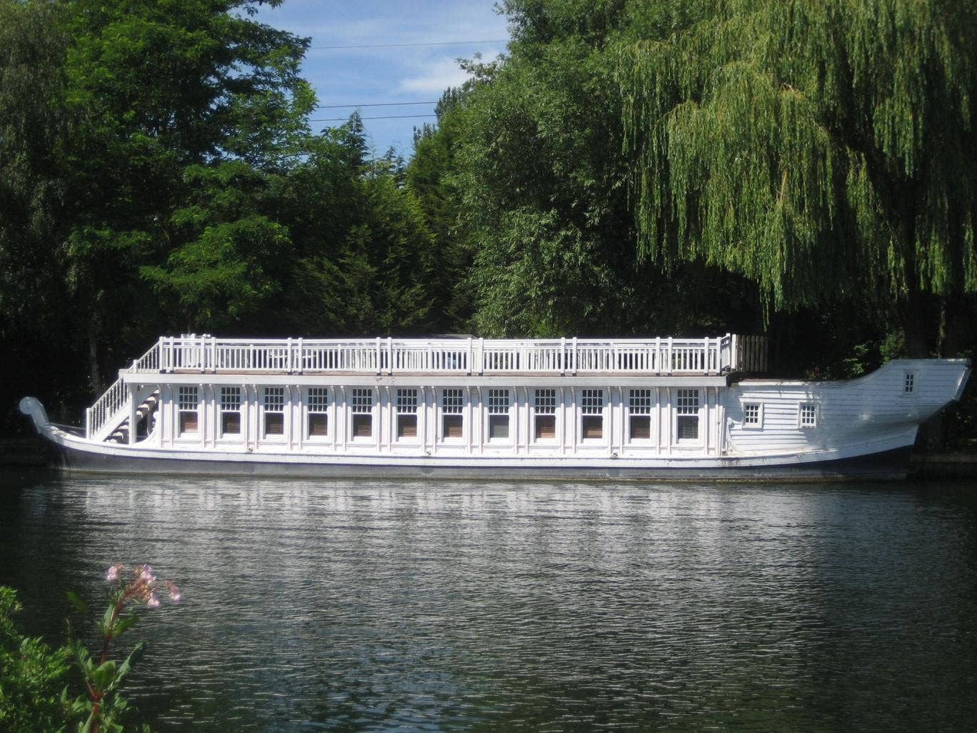 Oxford Barge: on with Waters Edge Homes for £150,000
