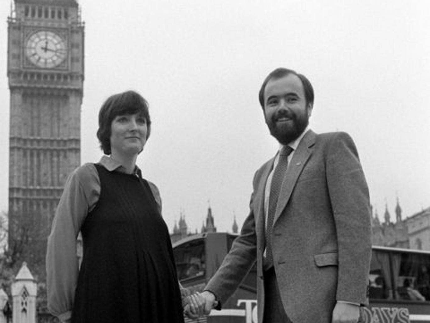 Harman and her Husband Jack Dromey outside the Houses of Parliament in 1982