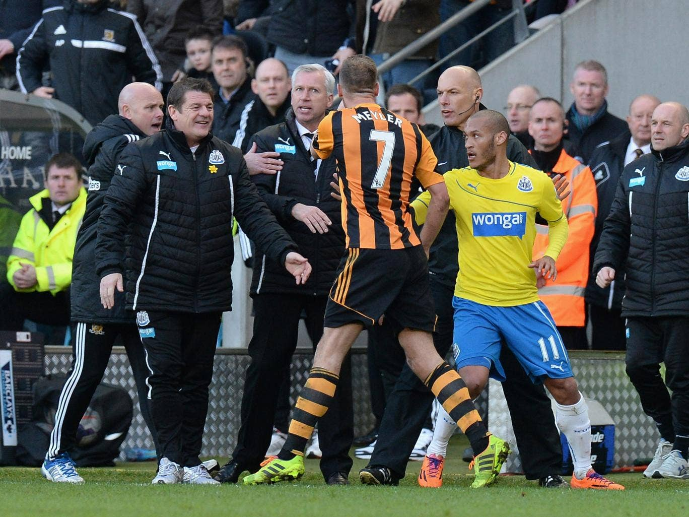 Newcastle manager Alan Pardew was sent to the stands for appearing to headbutt Hull midfielder David Meyler