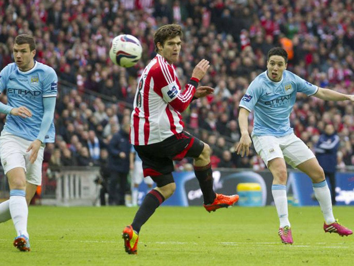 Samir Nasri lashes it in to put Manchester City 2-1 up