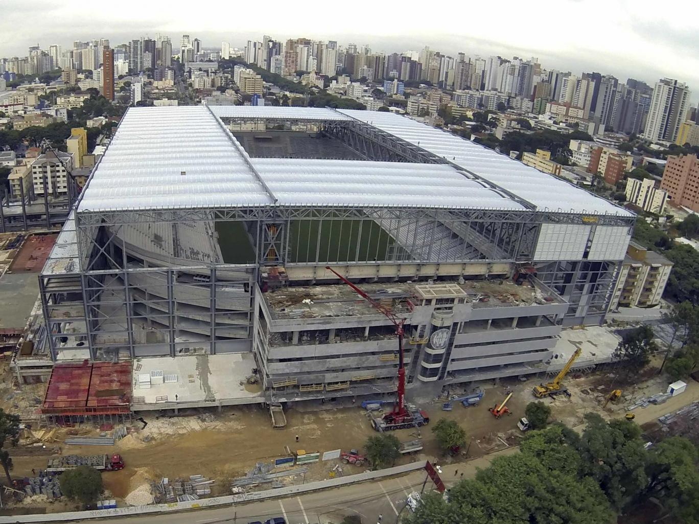 Work in progress at the Arena da Baixada