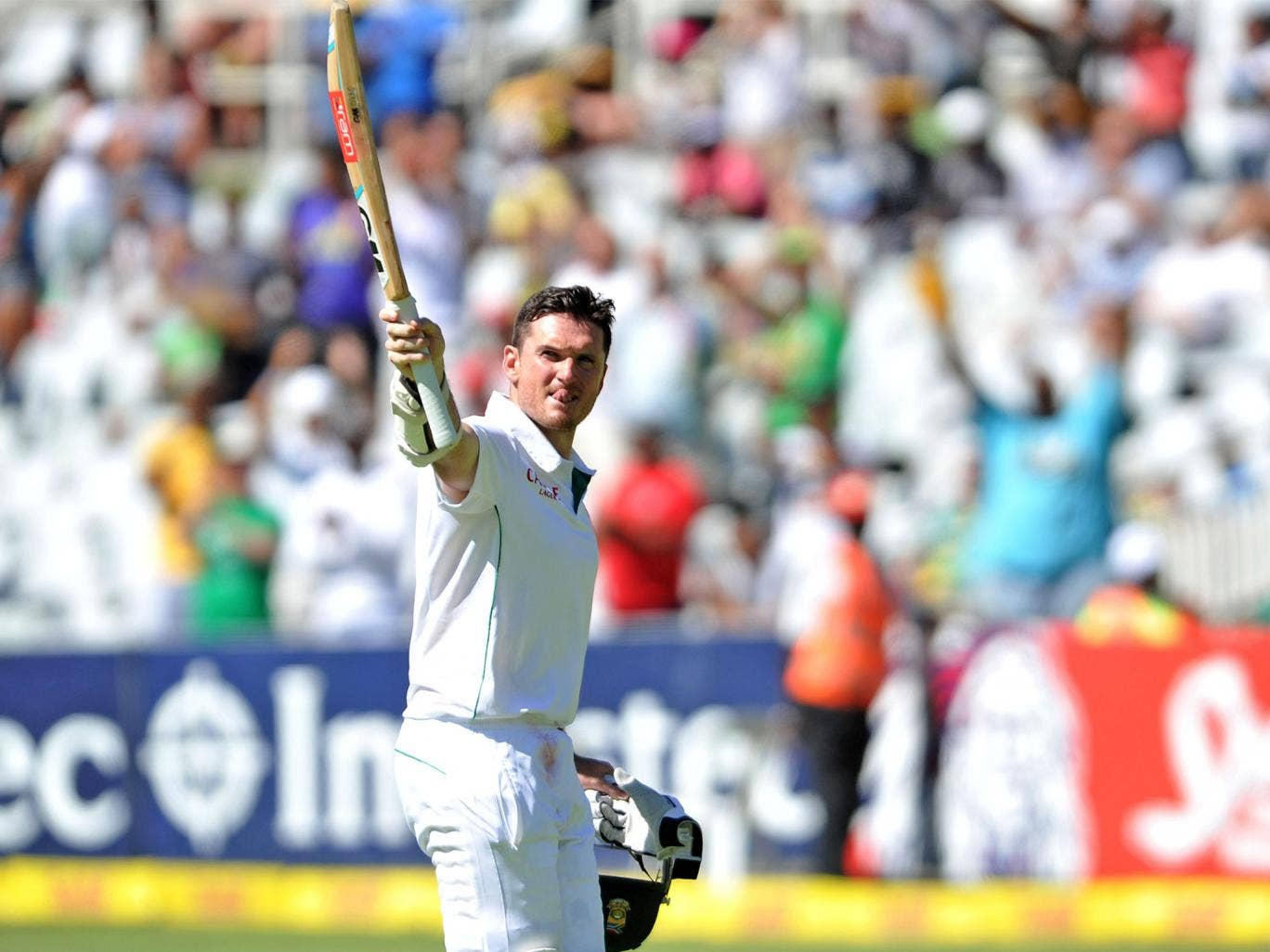 South Africa's captain Graeme Smith salutes the crowd after playing his last innings