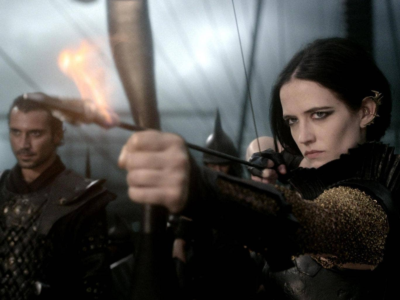 Flame and shame: even with Eva Green, '300: Rise of an Empire' falls flat
