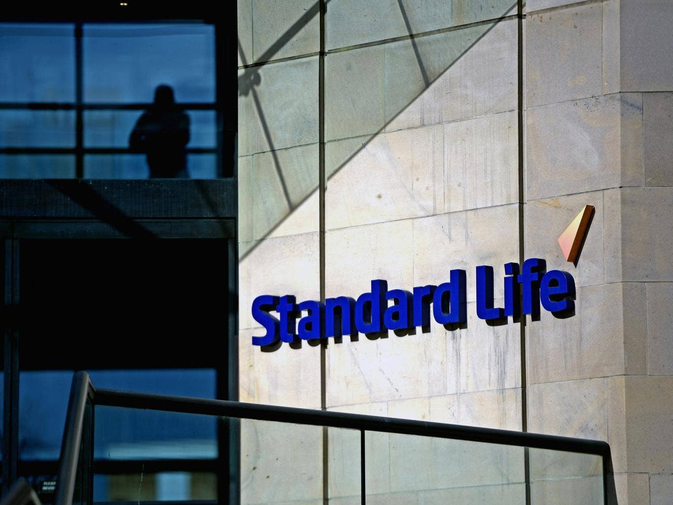 Standard Life, the Edinburgh-based pensions and savings firm, has announced that it is making contingency plans to move its business from Scotland if there is a Yes vote in the independence referendum