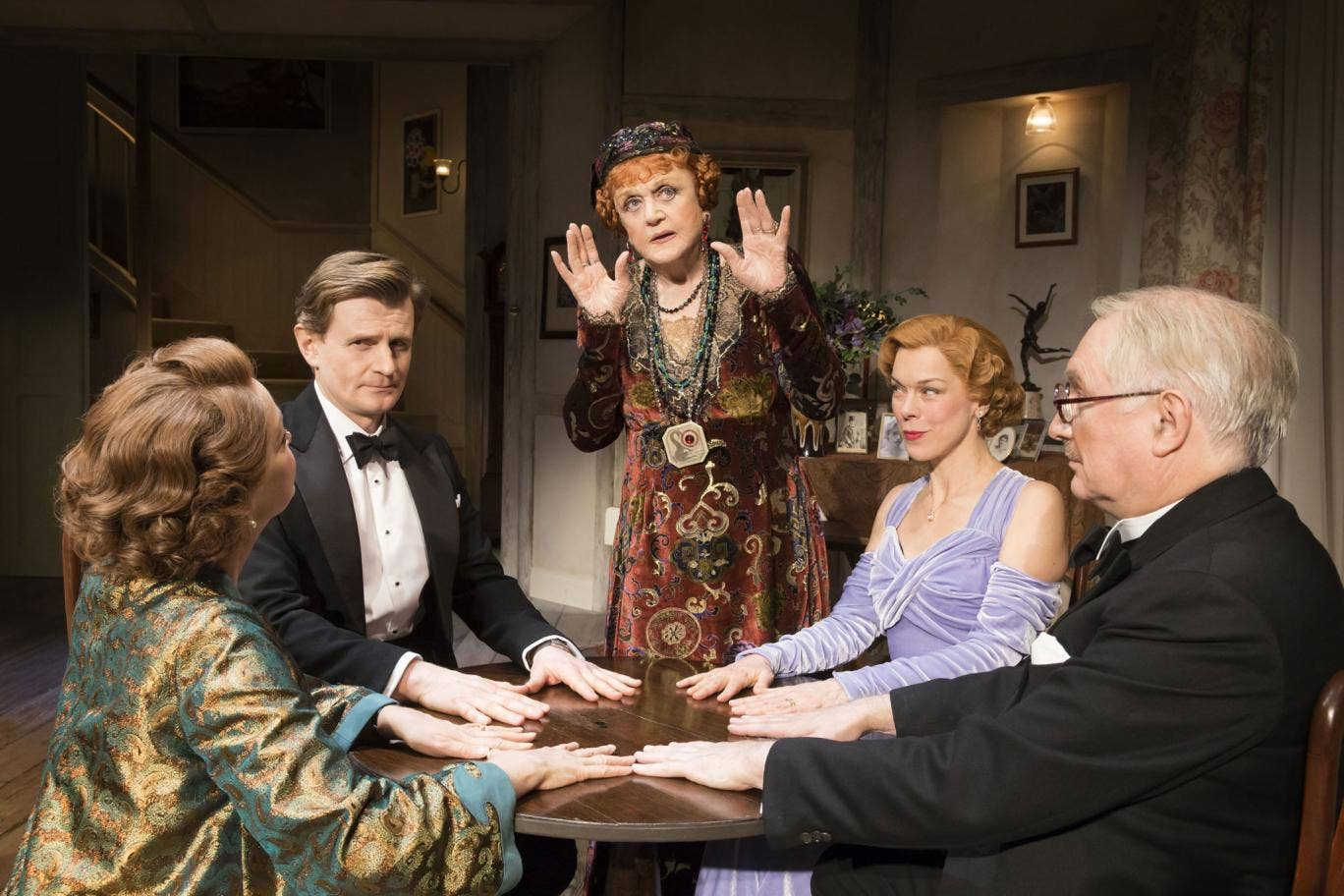 a comical review of blithe spirit by noel coward The reviews were good: mr noël coward calls his brilliant little farce a 'comedy of coward toured during 1942 in blithe spirit the amazing mr noel coward.