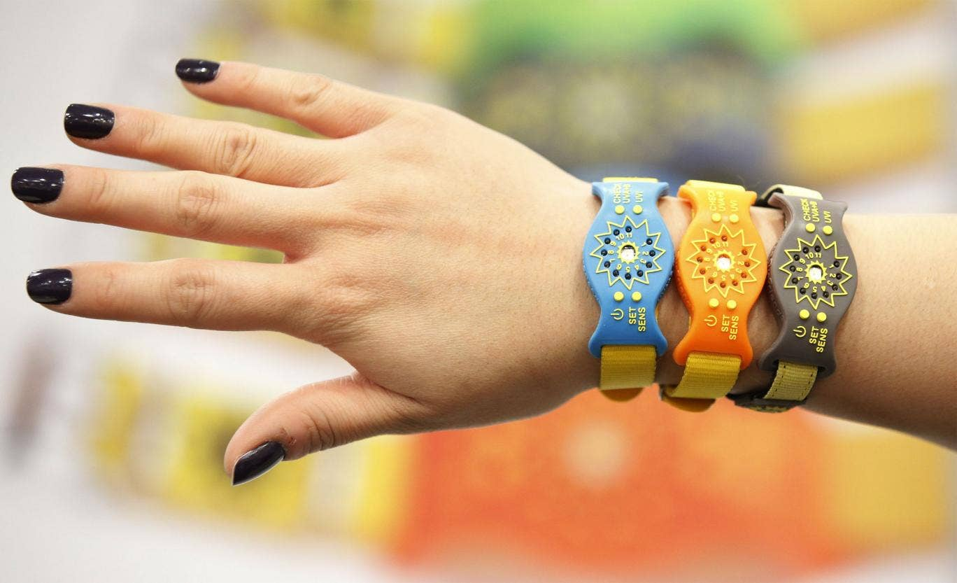 A wristband which tells you if you have been out in the sun too long