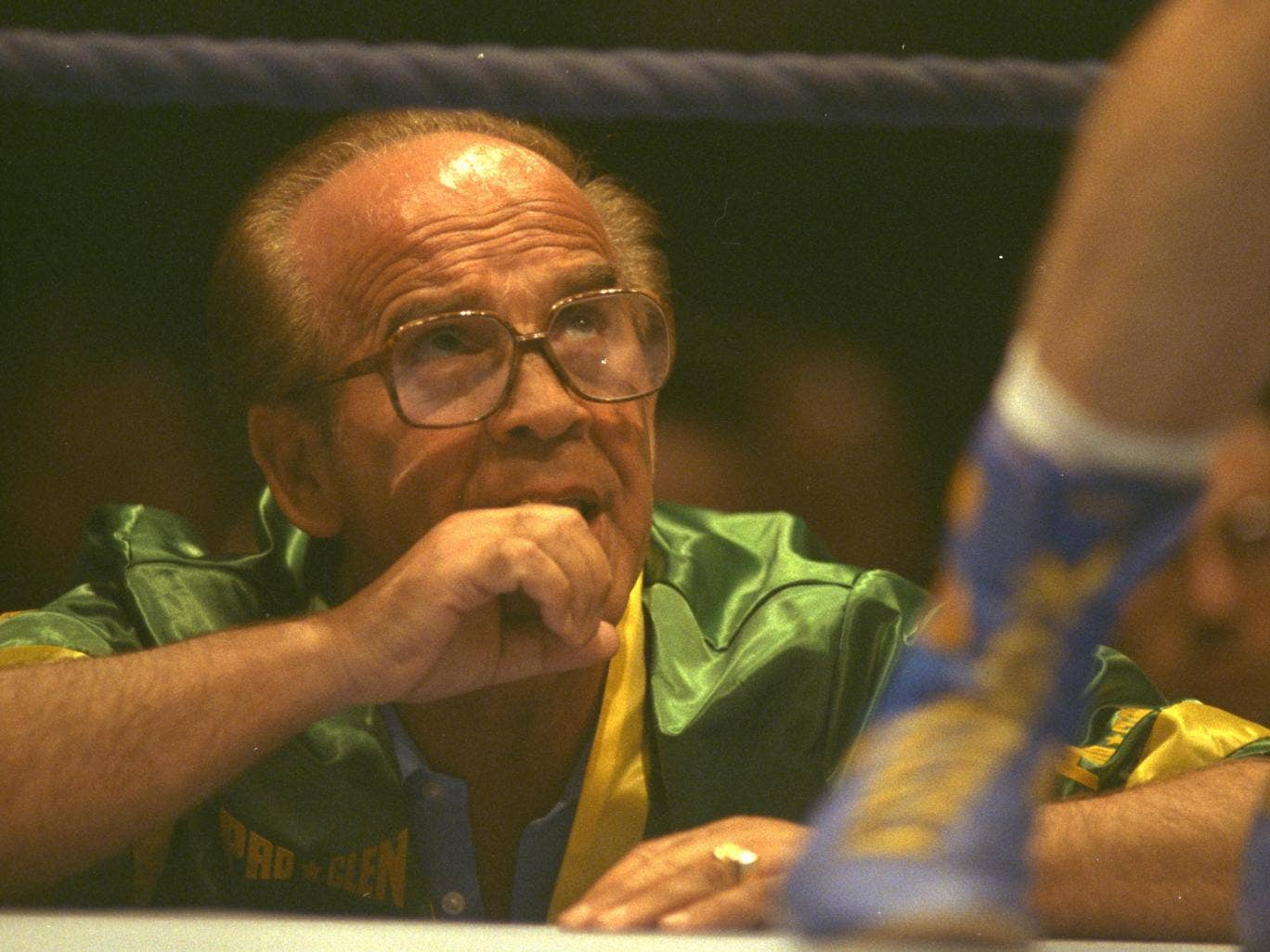 Former boxer, manager and promoter Mickey Duff has died, aged 84