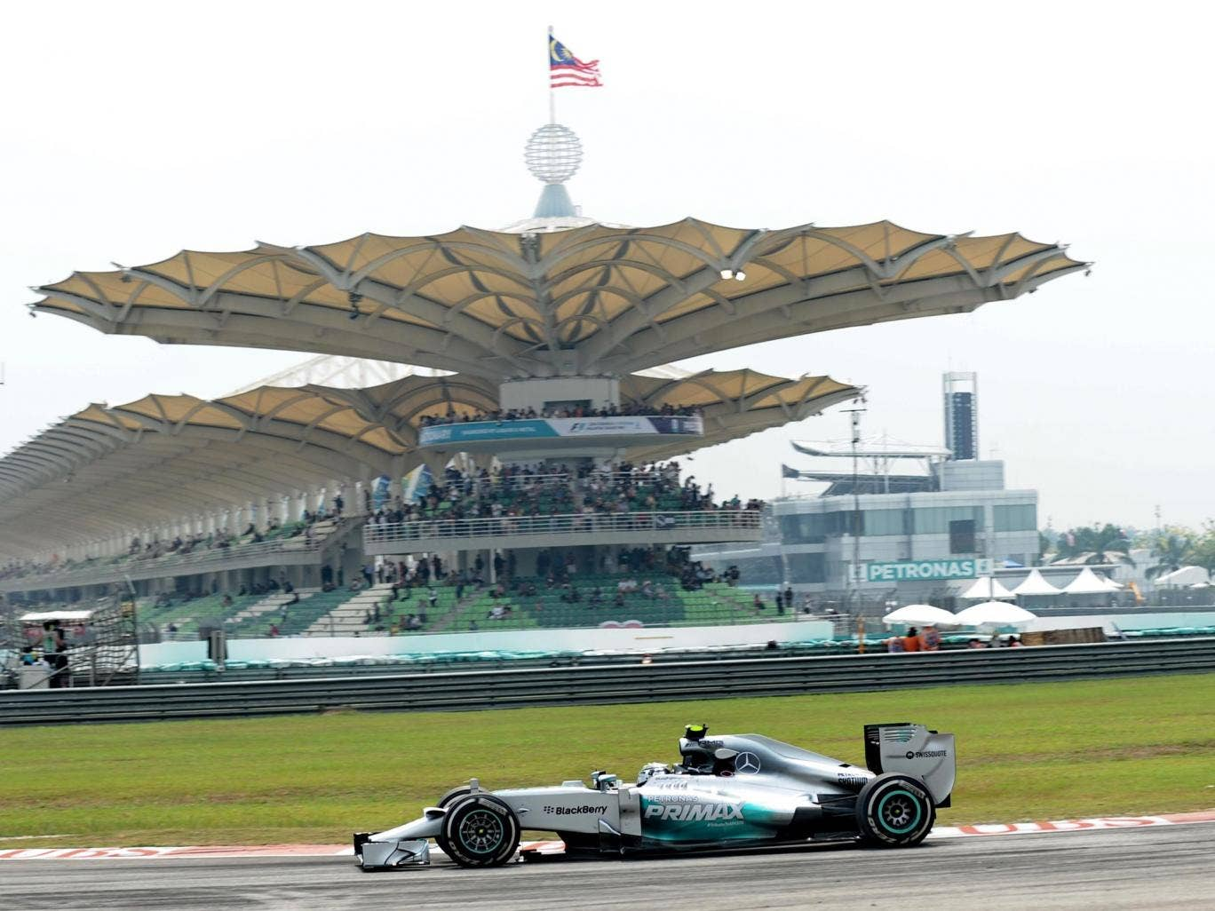 Nico Rosberg set the fastest time on Friday practice for the Malaysian Grand Prix