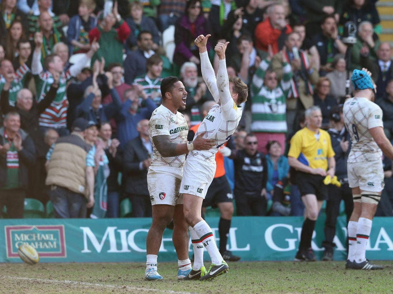 Manu Tuilagi and Toby Flood celebrate a try for Leicester Tigers