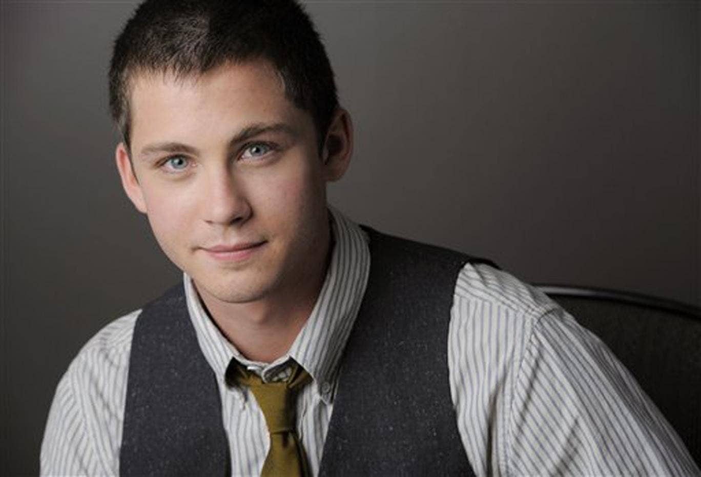 logan lerman dating history Father son relationship (11) fight (11) husband neil patrick harris and logan lerman as the most decorated dog in american history.