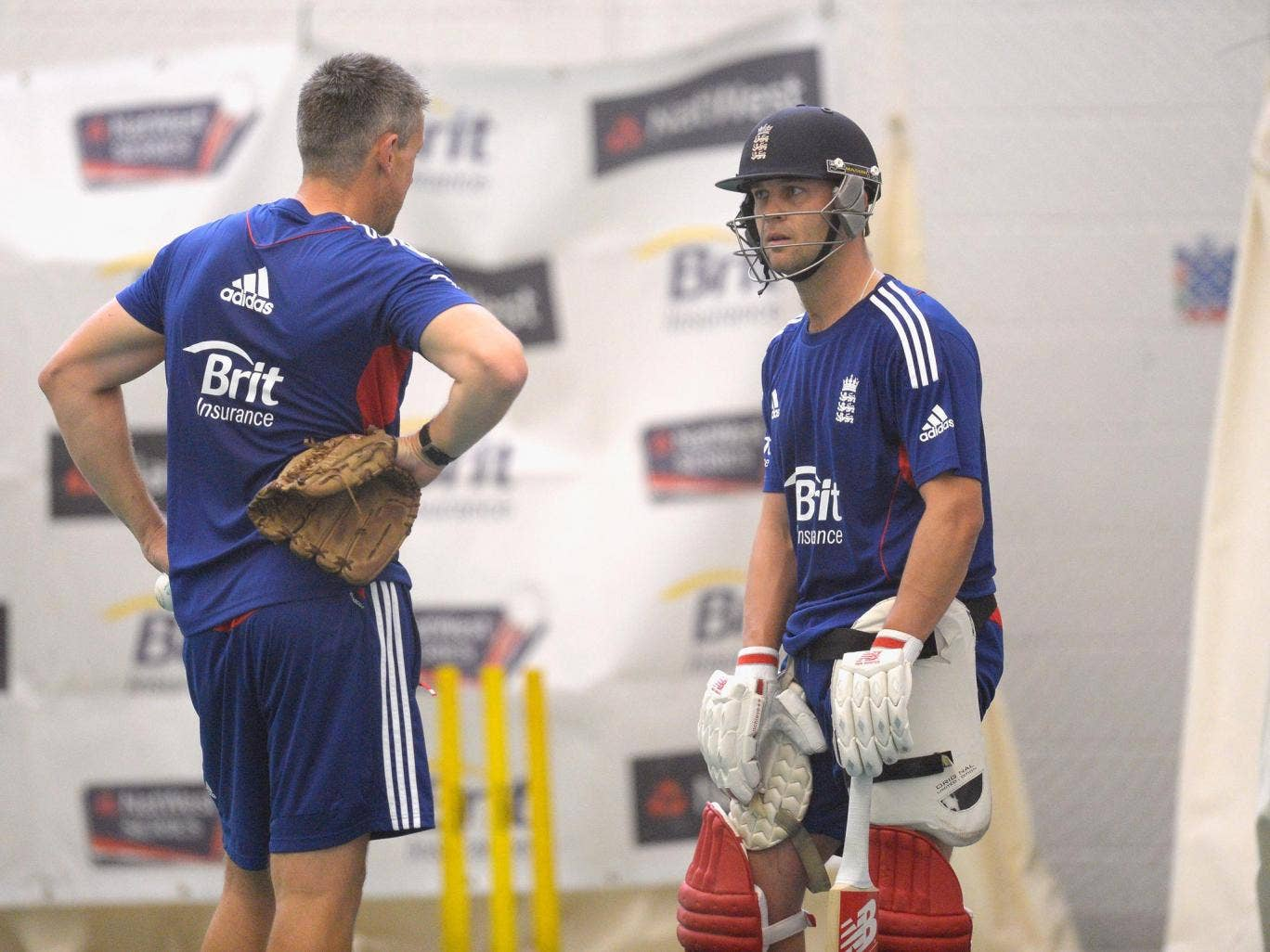 Ashley Giles and Jonathan Trott have been praised by Warwickshire coach Dougie Brown