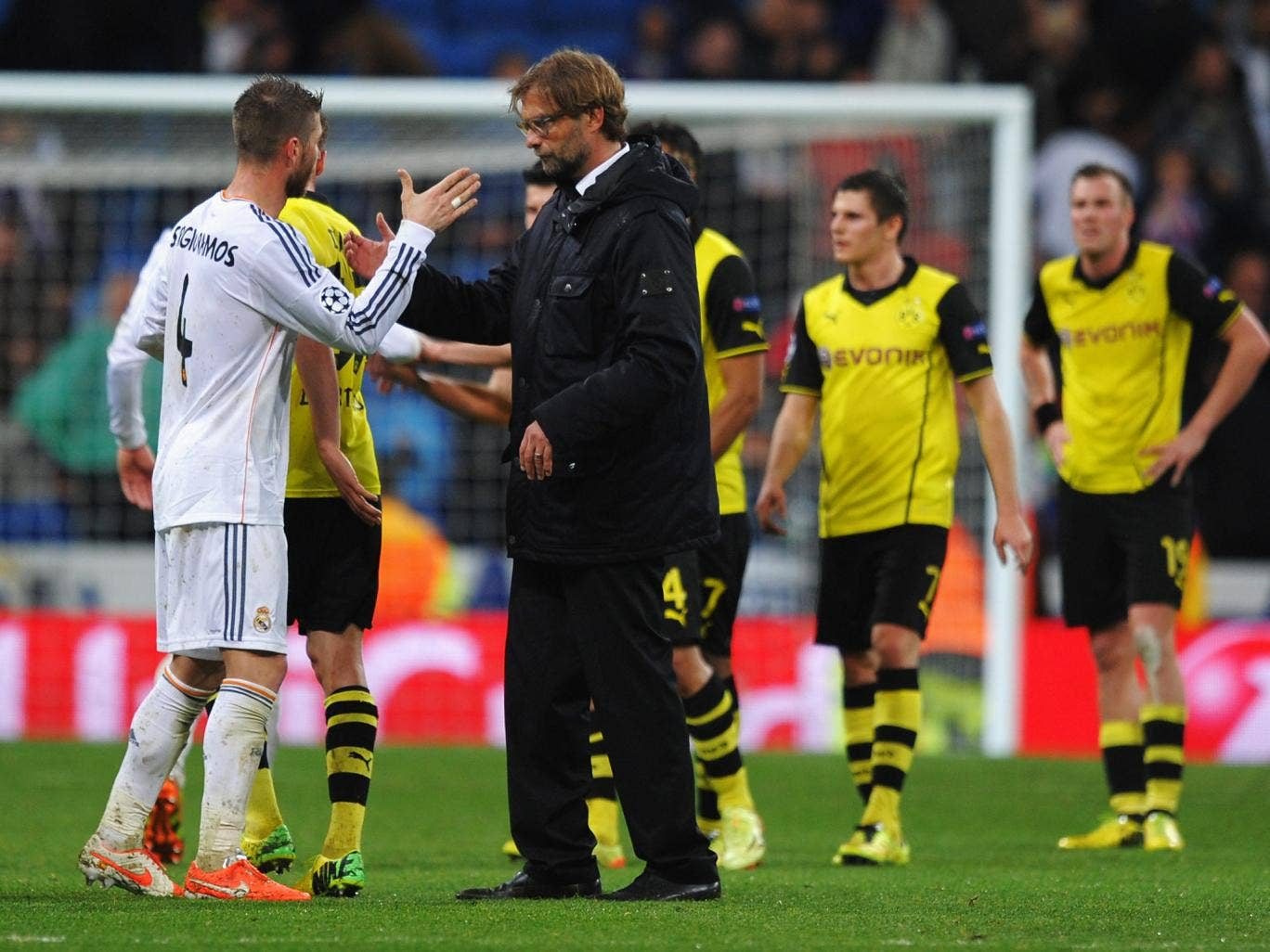 Sergio Ramos of Real Madrid shakes hands with Juergen Klopp, coach of Borussia Dortmund after the Champions League quarter final first-leg