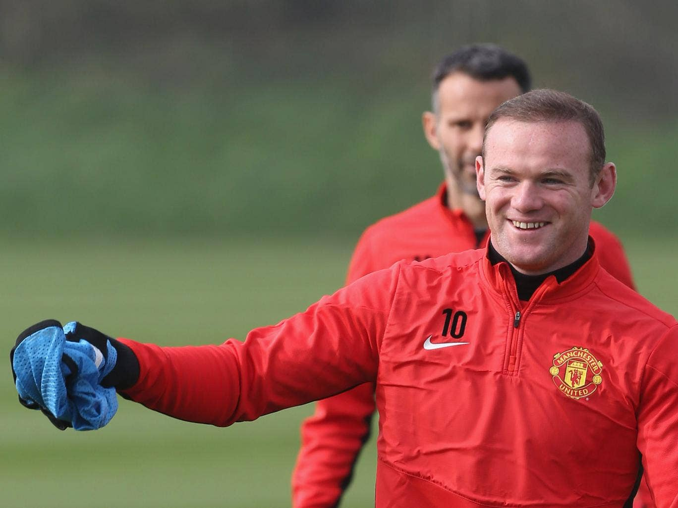 Wayne Rooney trains with Manchester United