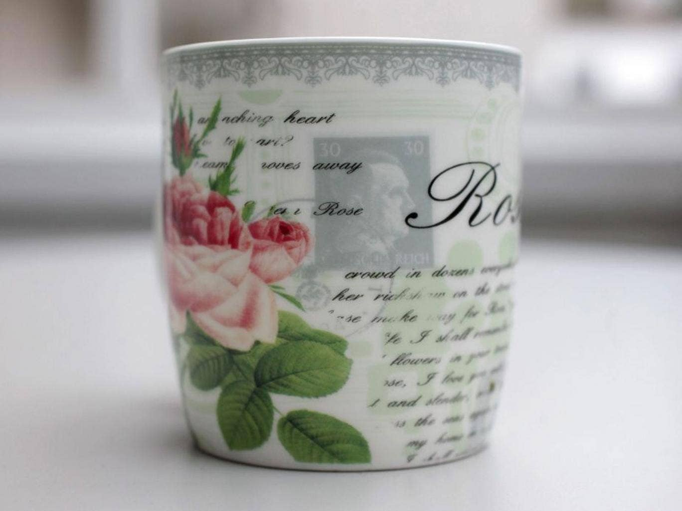 175 mugs were sold before the mistake was identified