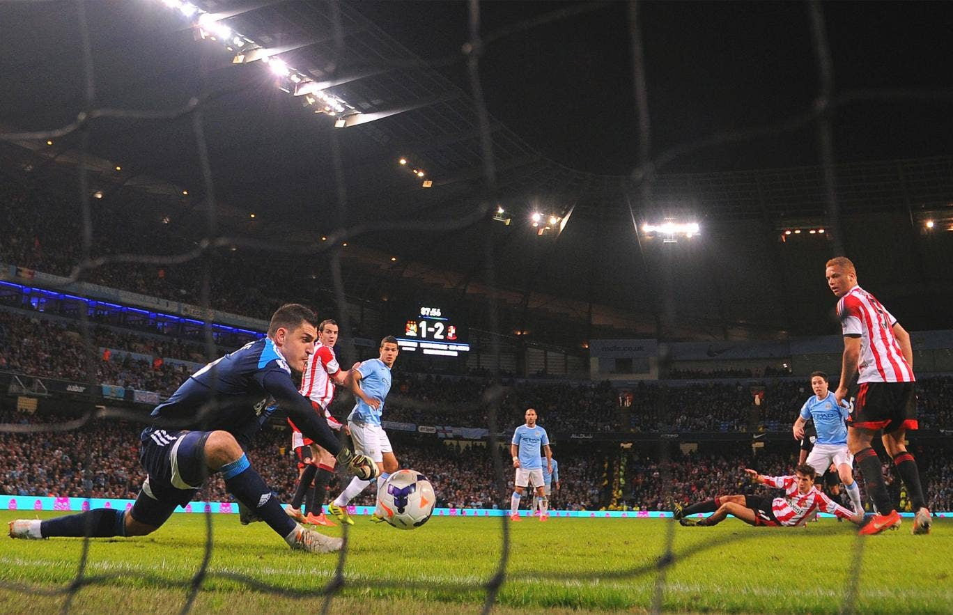 Vito Mannone fails to keep out Samir Nasri's late strike