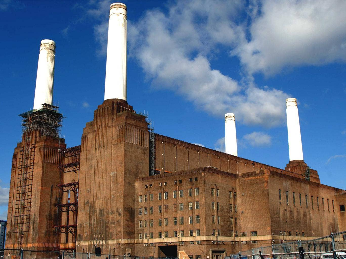 Battersea Power Station was decommissioned in 1983