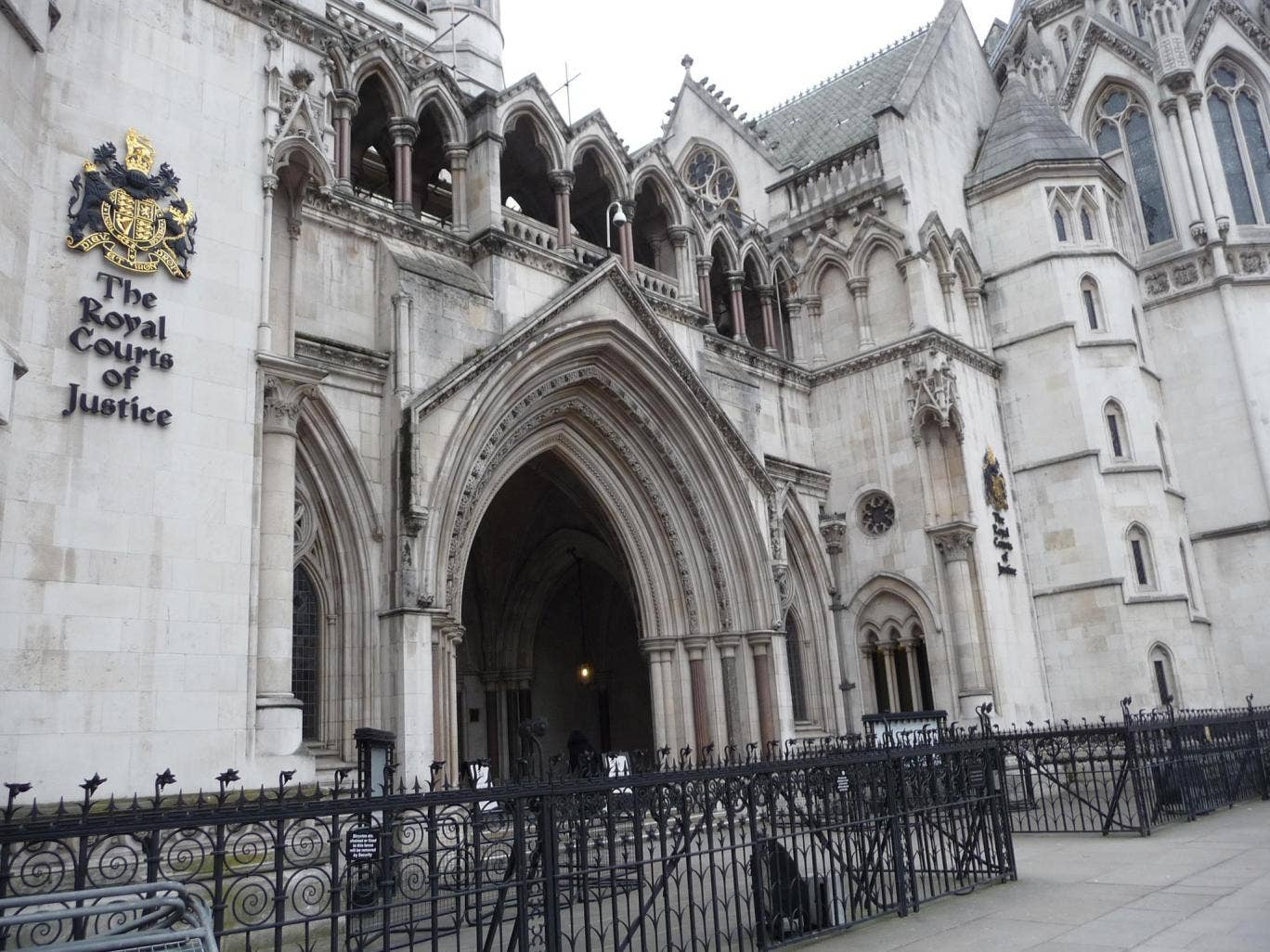 Mr Justice Holman expressed his disgust at Dr Peng's non-attendance and dismissed the tycoon's excuse
