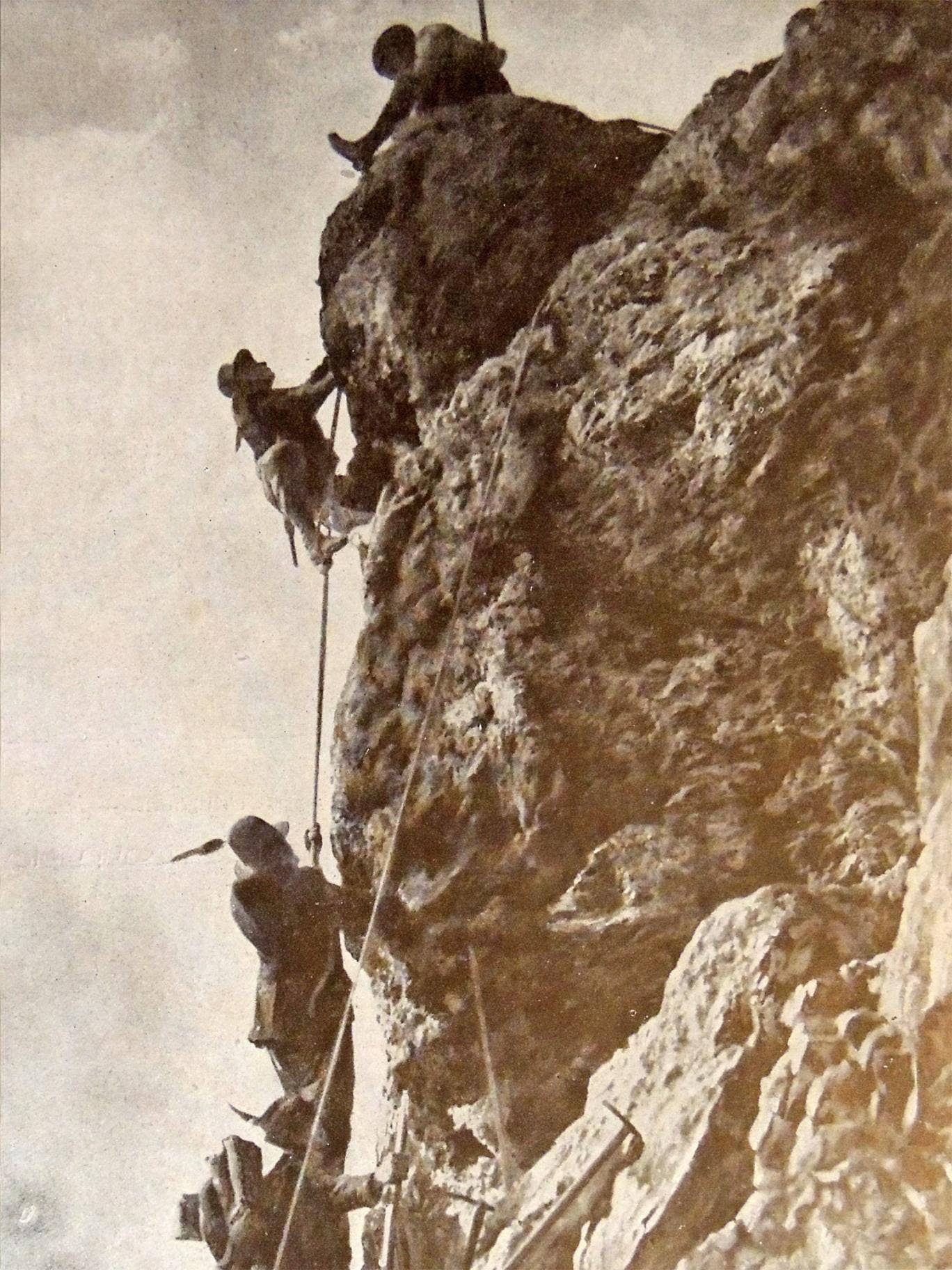 Italian light infantry of the 1st Alpini Regiment on Monte Nero, during the Isonzo campaigns