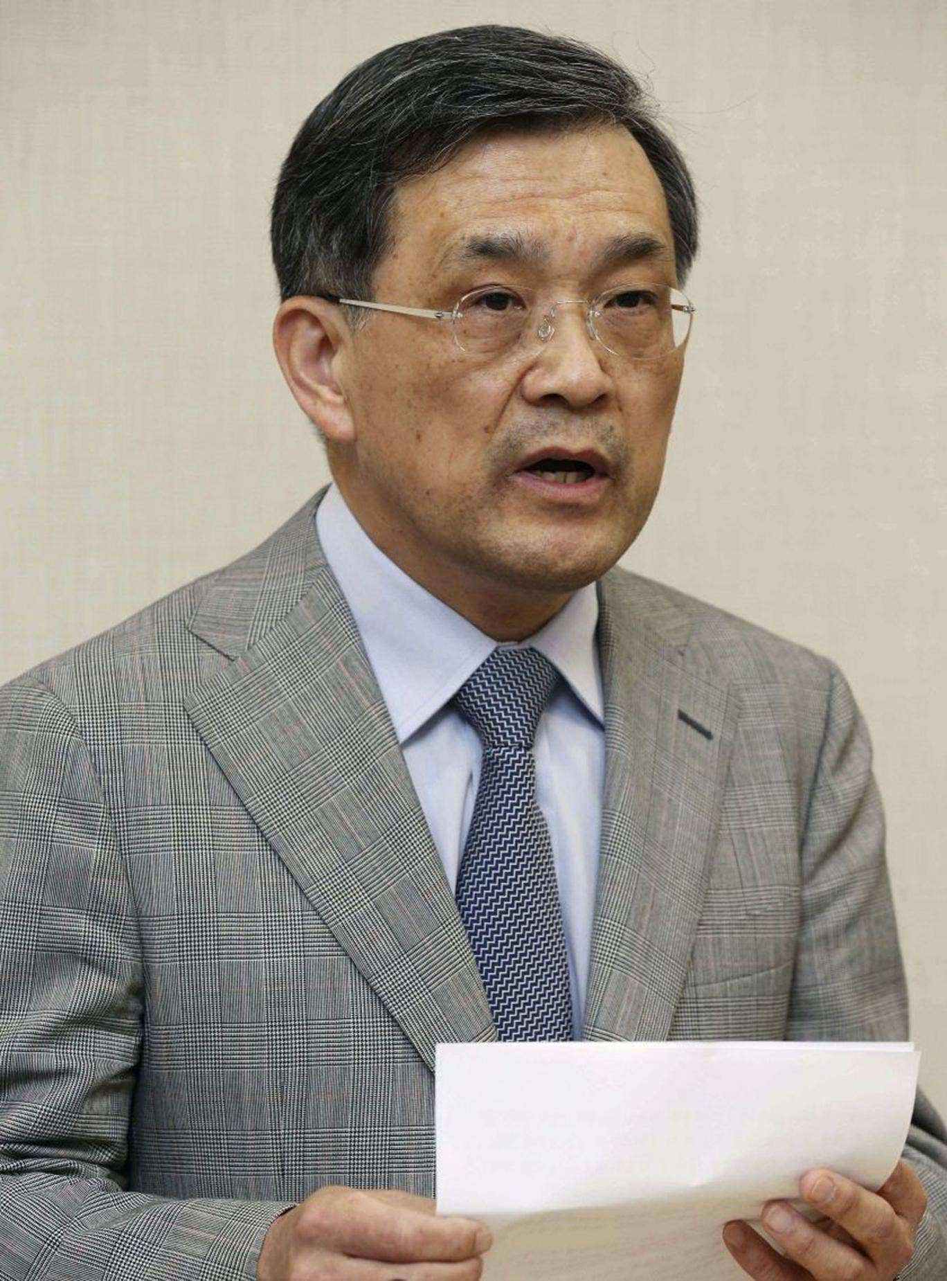 Samsung vice chairman Kwon Oh-hyun speaks during a briefing in Seoul, South Korea