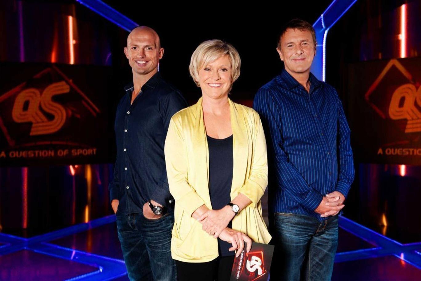 Question of Sport presenter Sue Barker with team captains Matt Dawson (left) and Phil Tufnell
