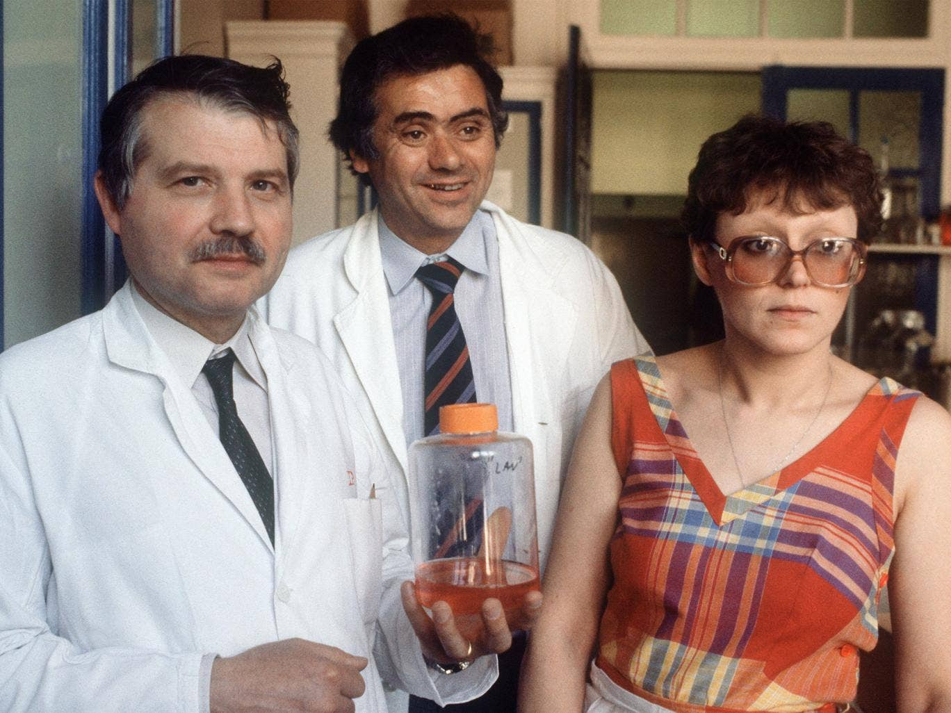 Virus hunters: Françoise Barré-Sinoussi with Luc Montagnier, left, and Jean-Claude Chermann at the Pasteur Institute in 1984