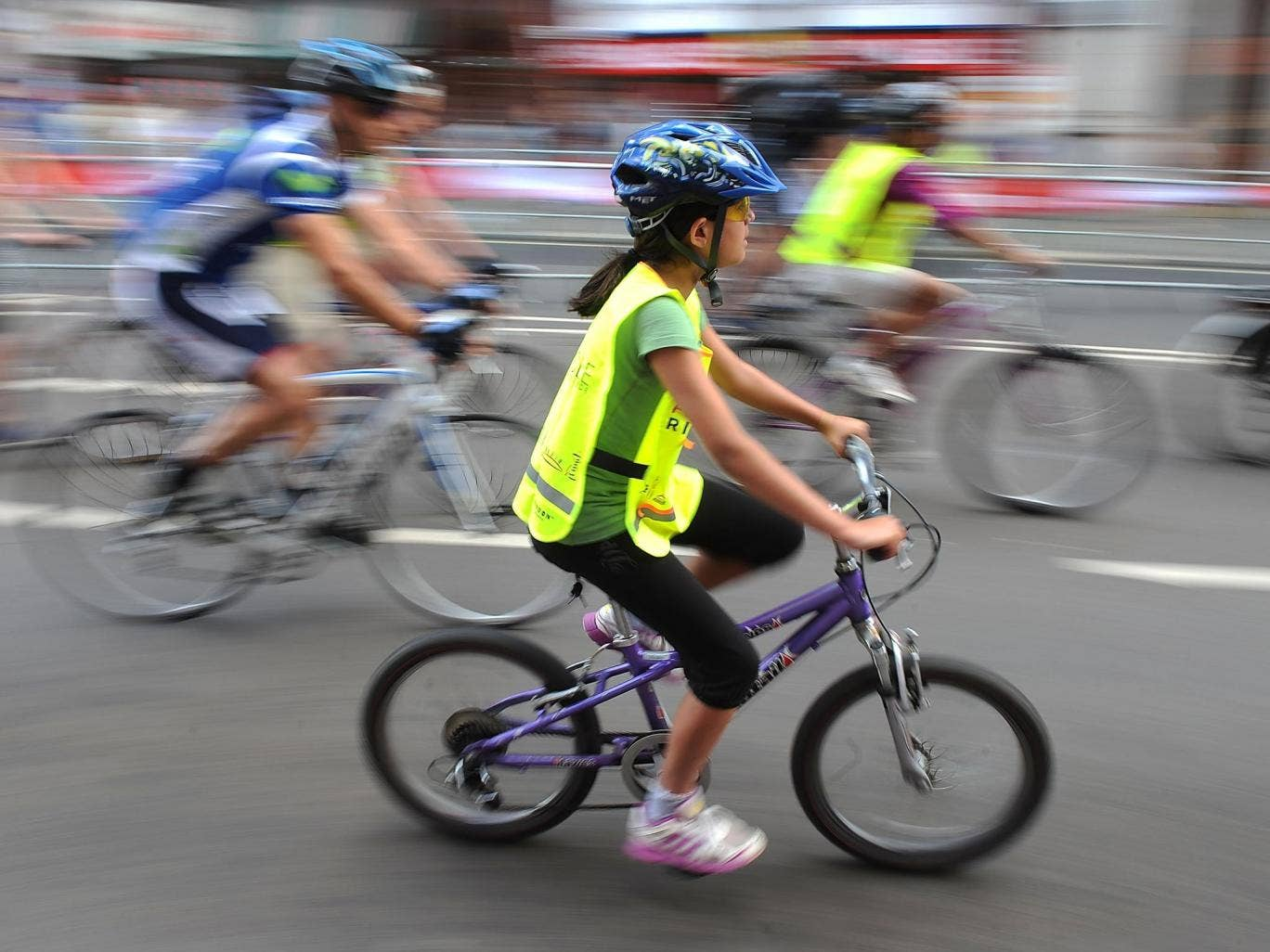The number of children cycling to school regularly more than doubled when training courses and cycling facilities were provided
