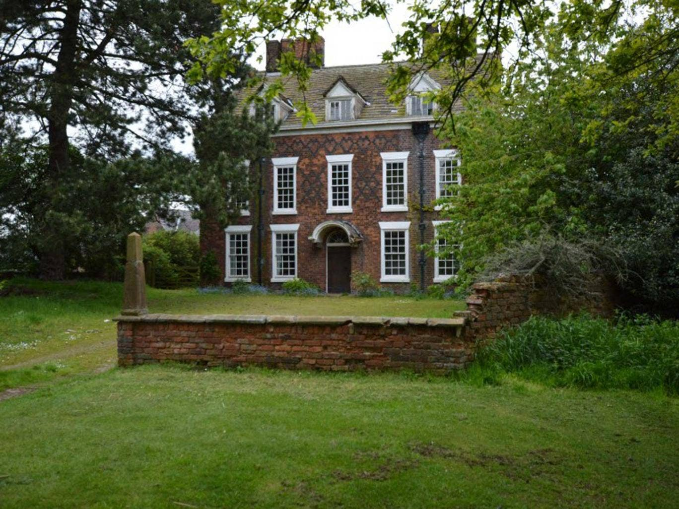Eight bedroom property for sale in Aston Park House, Aston By Budworth, Northwich, Cheshire CW9. This Grade II listed house dates back to the 18th century and requires renovation. On with Auction House at a guide price of £225,000.
