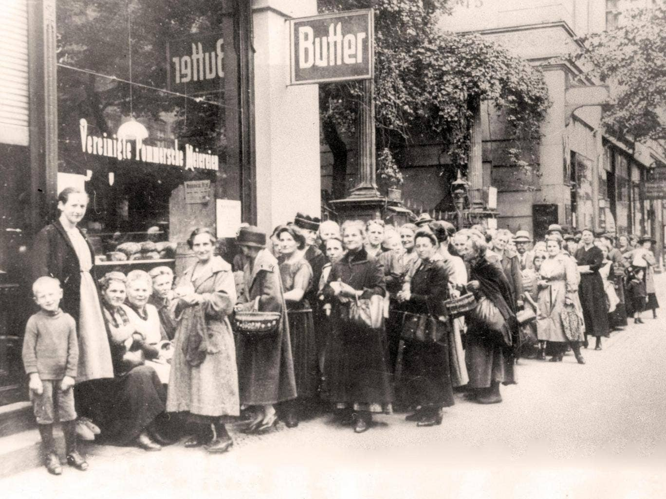 A history of the first world war in 100 moments on the for Austrian cuisine history