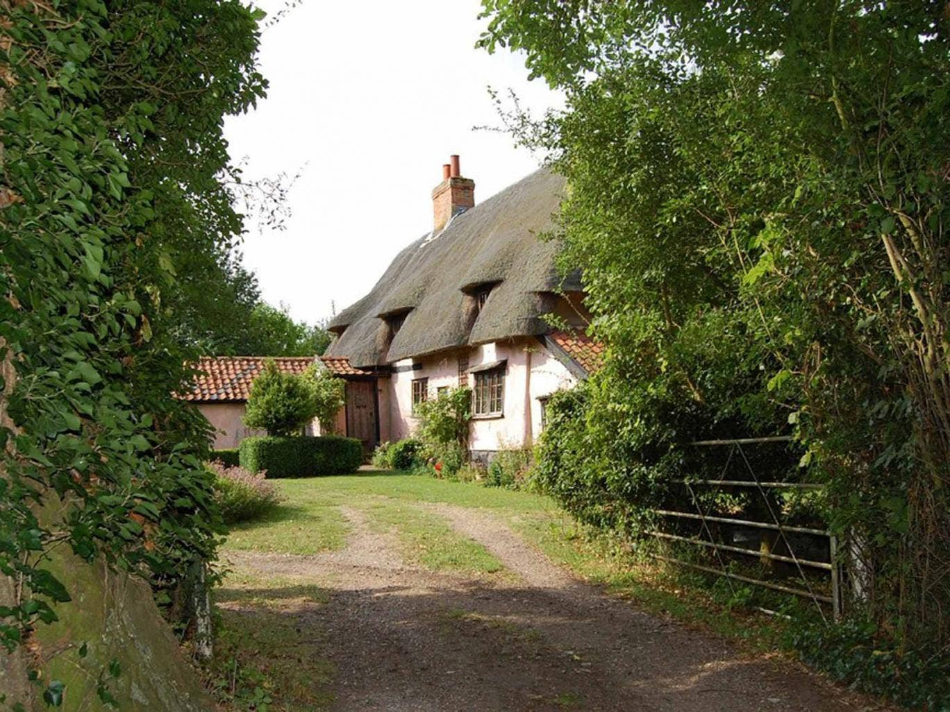 Four bedroom detached house for sale, Fen Road, Thelnetham, Diss IP22. On with TW Gaze at a guide price of  £470,000.