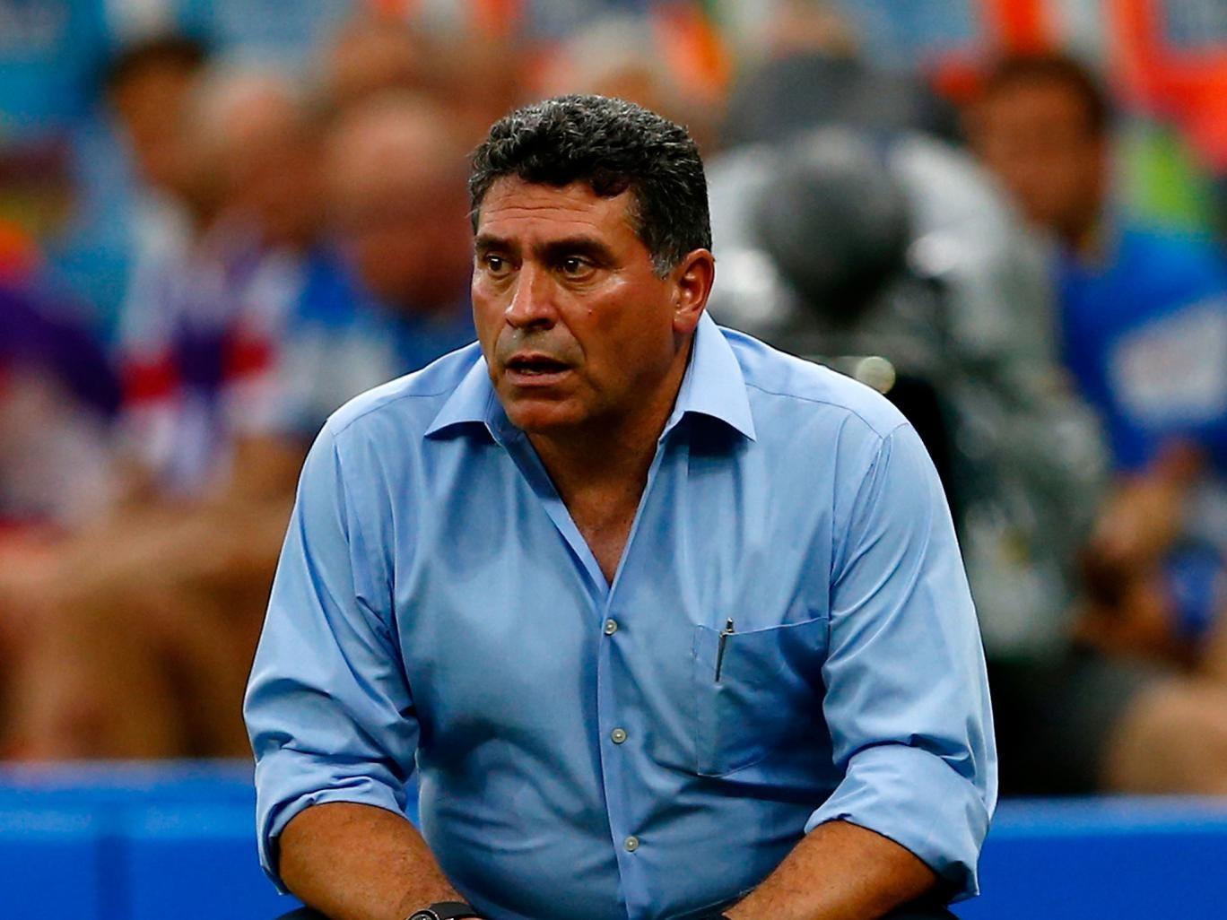 Luis Suarez has left his position as Honduras coach