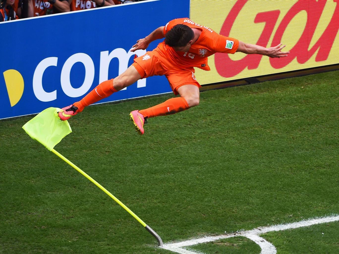 Klaas-Jan Huntelaar celebrates his winning goal