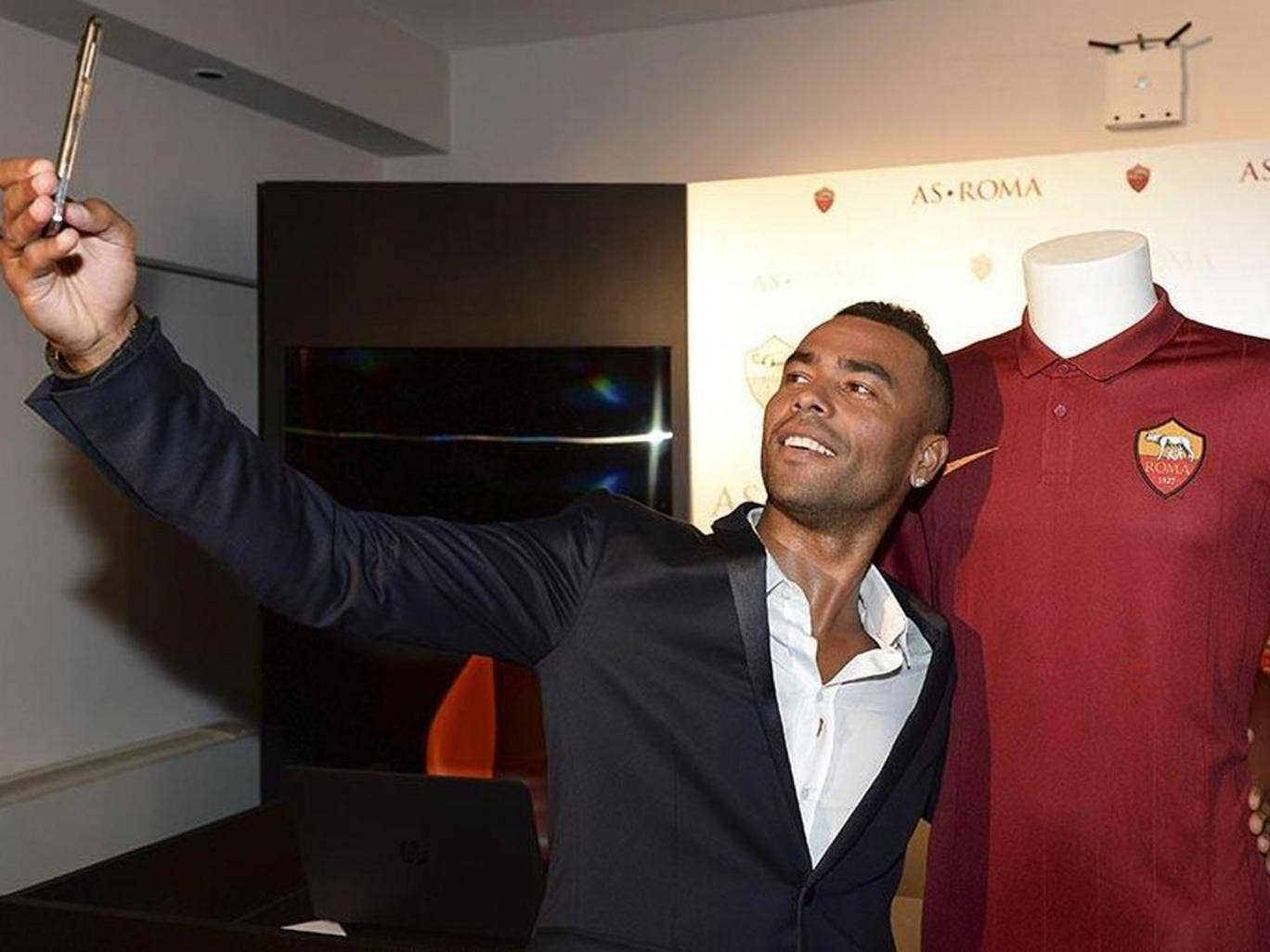 Ashley Cole has joined Roma after being released from his Chelsea contract