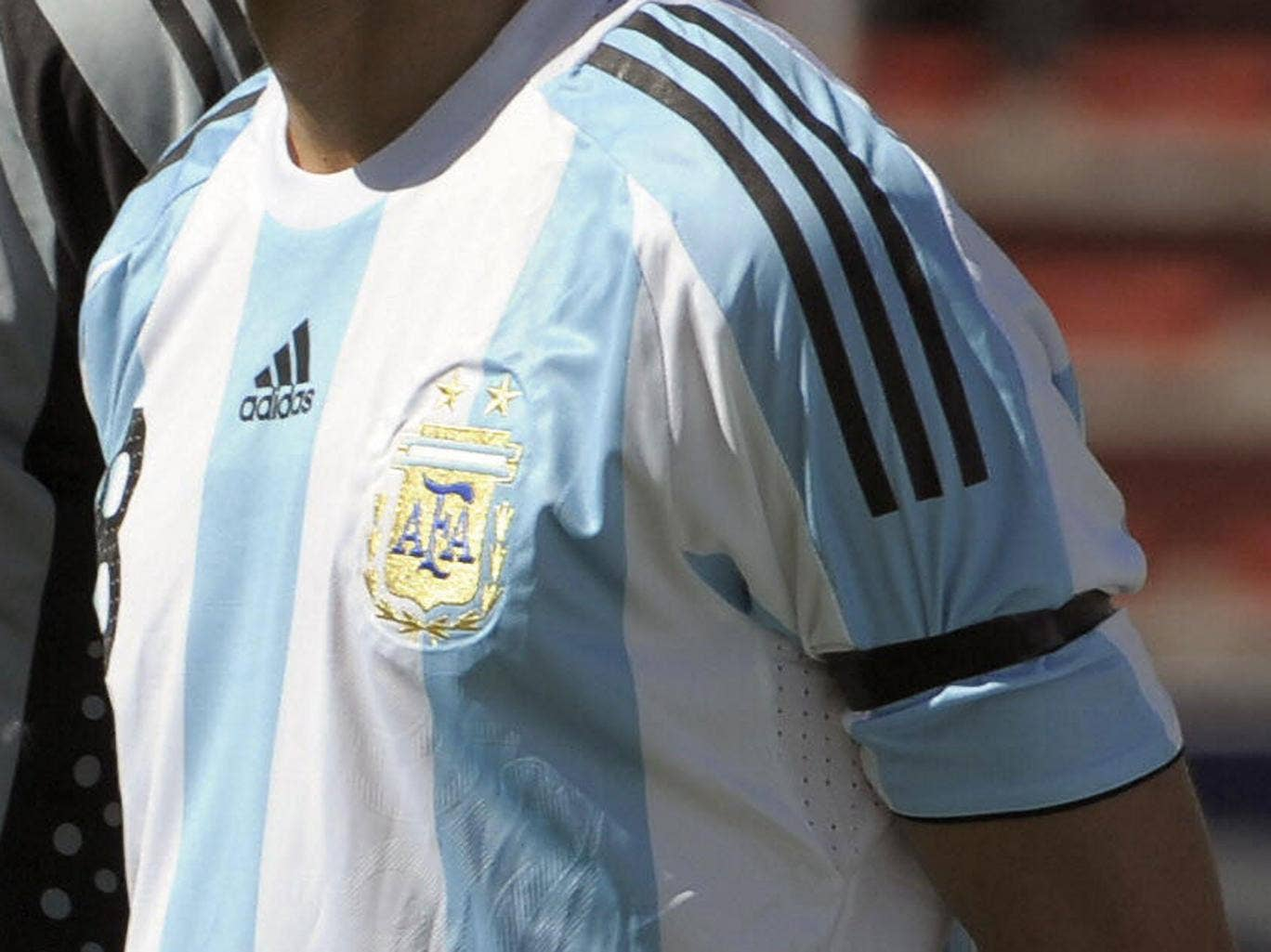 The Argentina team will wear black armbands for tonight's World Cup semi-final with the Netherlands