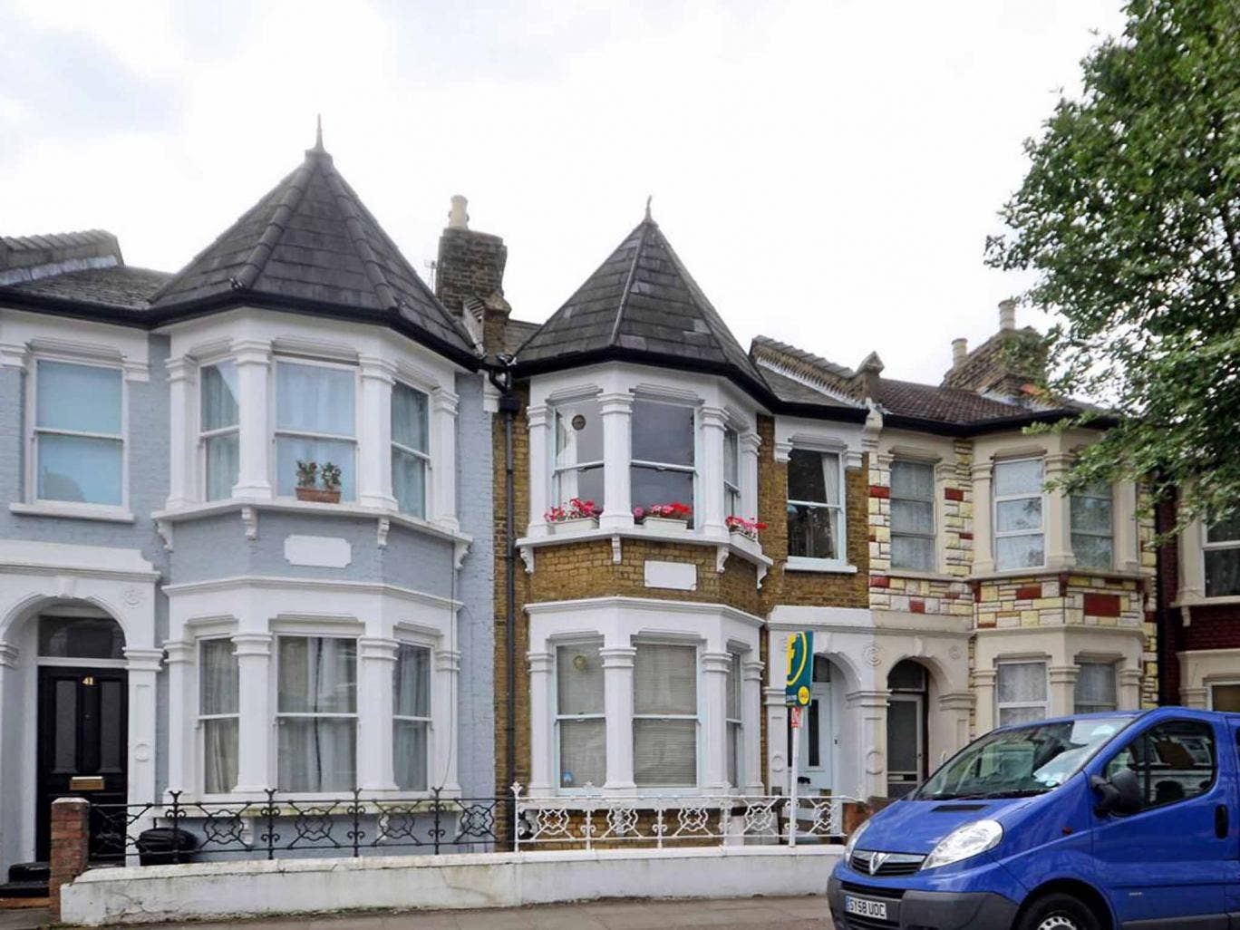 Two bedroom maisonette for sale in Prince George Road, Stoke Newington N16. On with Foxtons at £625,000.
