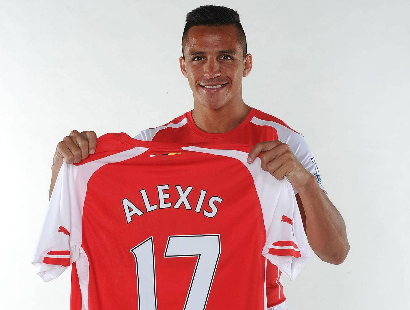 Alexis Sanchez says he has come to Arsenal to 'win titles'