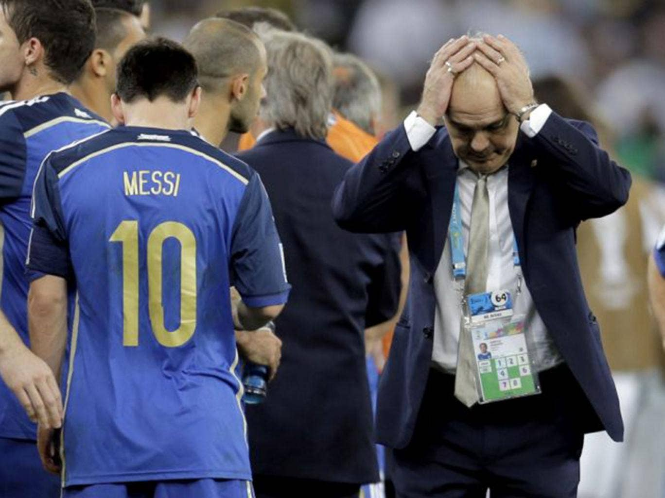 Lionel Messi appeared to walk off halfway through Alejandro Sabella's team talk