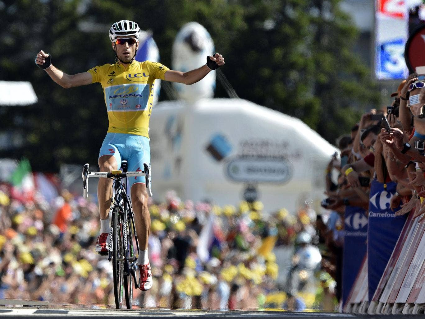 Vincenzo Nibali celebrates stage 13 victory of the Tour de France