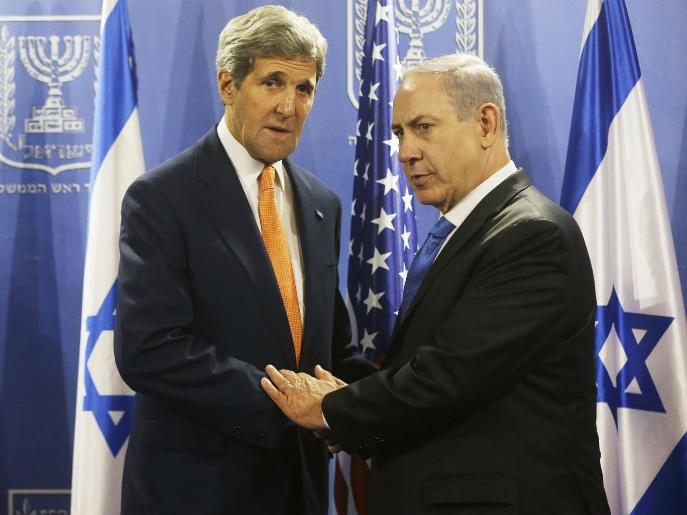 John Kerry meets with Israeli Prime Minister Benjamin Netanyahu in Tel Aviv as part of diplomatic efforts