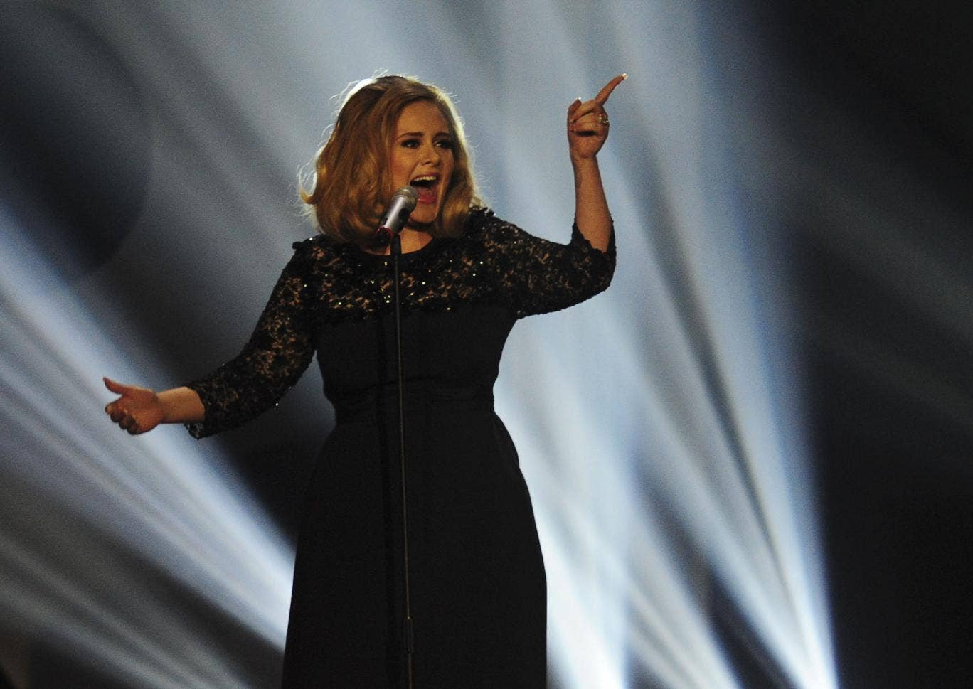 Adele performs onstage during the 2011 MTV Video Music Awards at Nokia Theatre L.A
