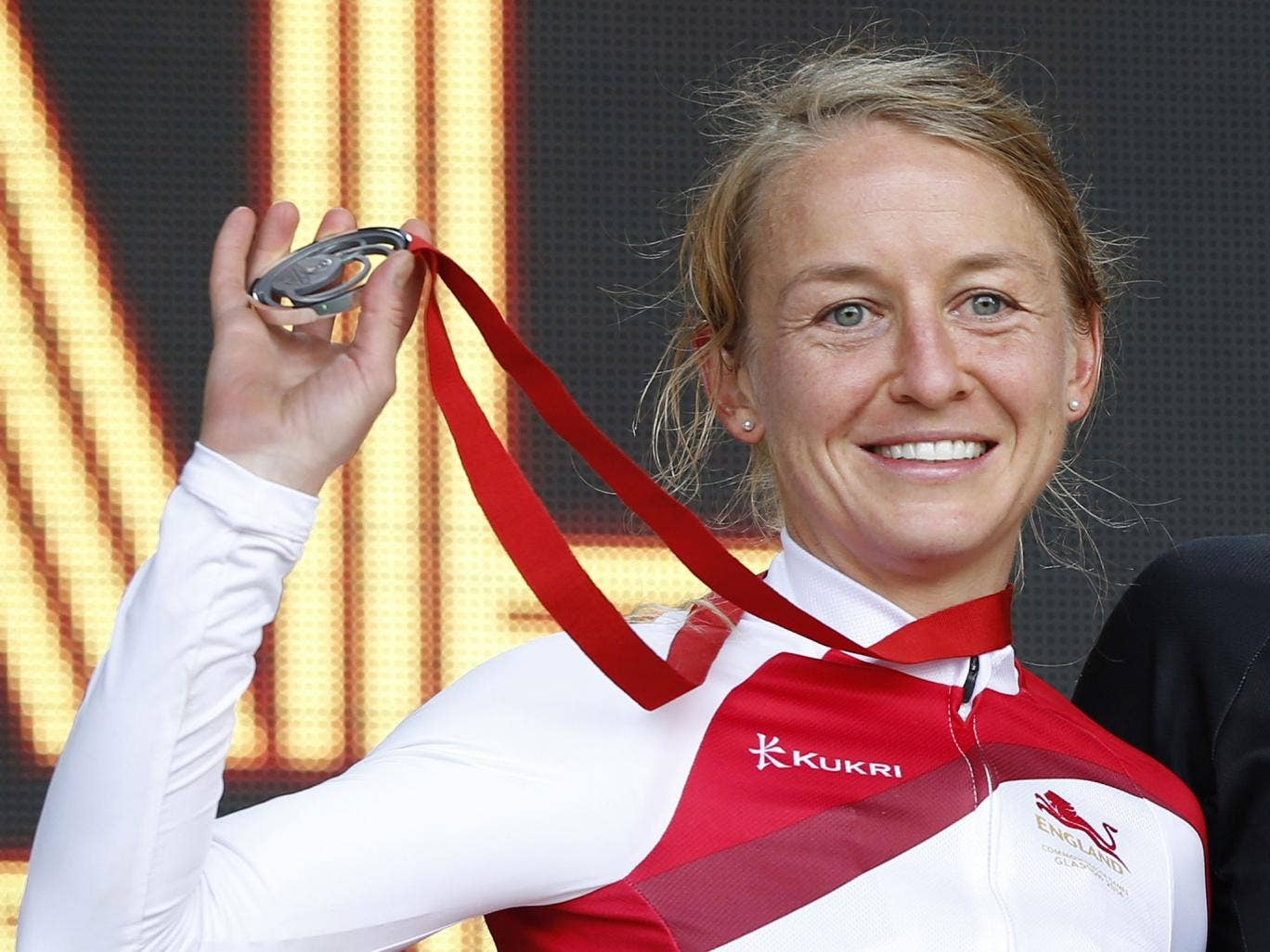 England's Emma Pooley won silver in the women's time trial