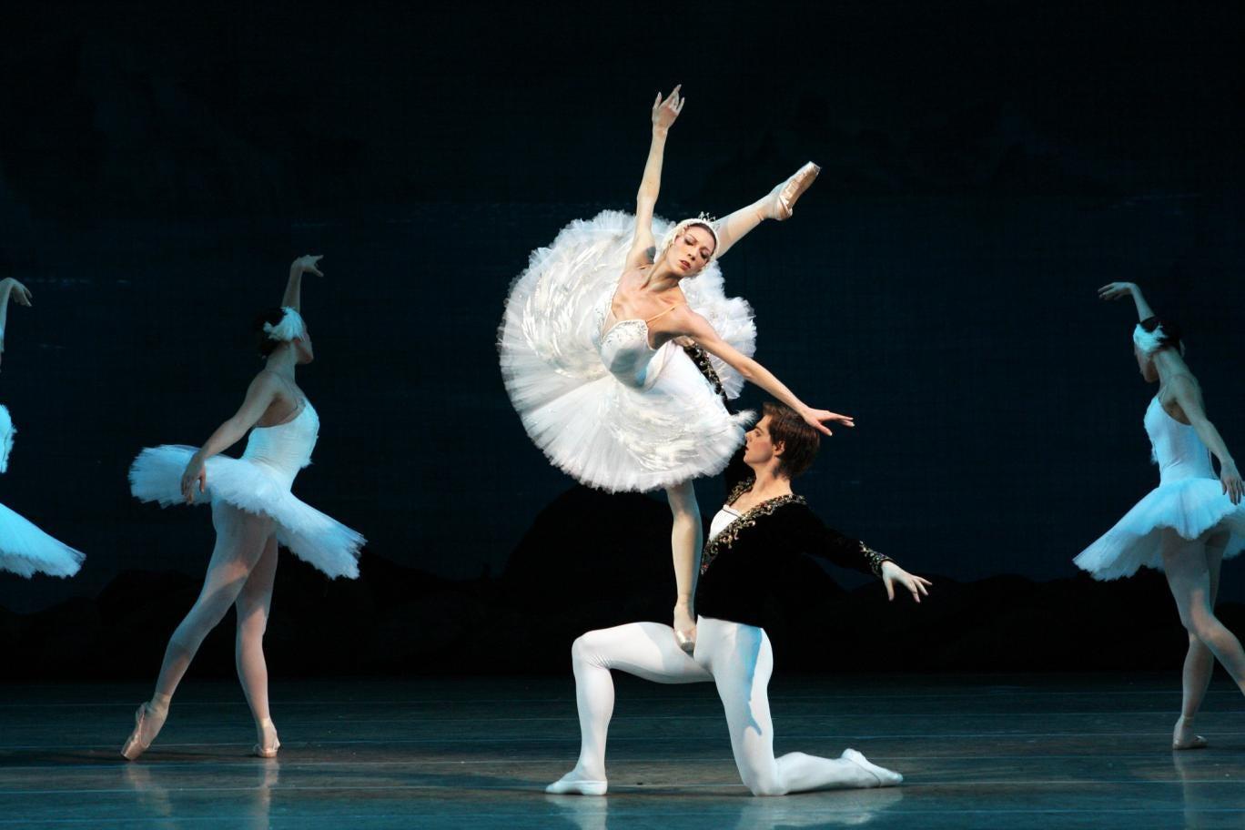 The Mariinsky Ballet perform Swan Lake