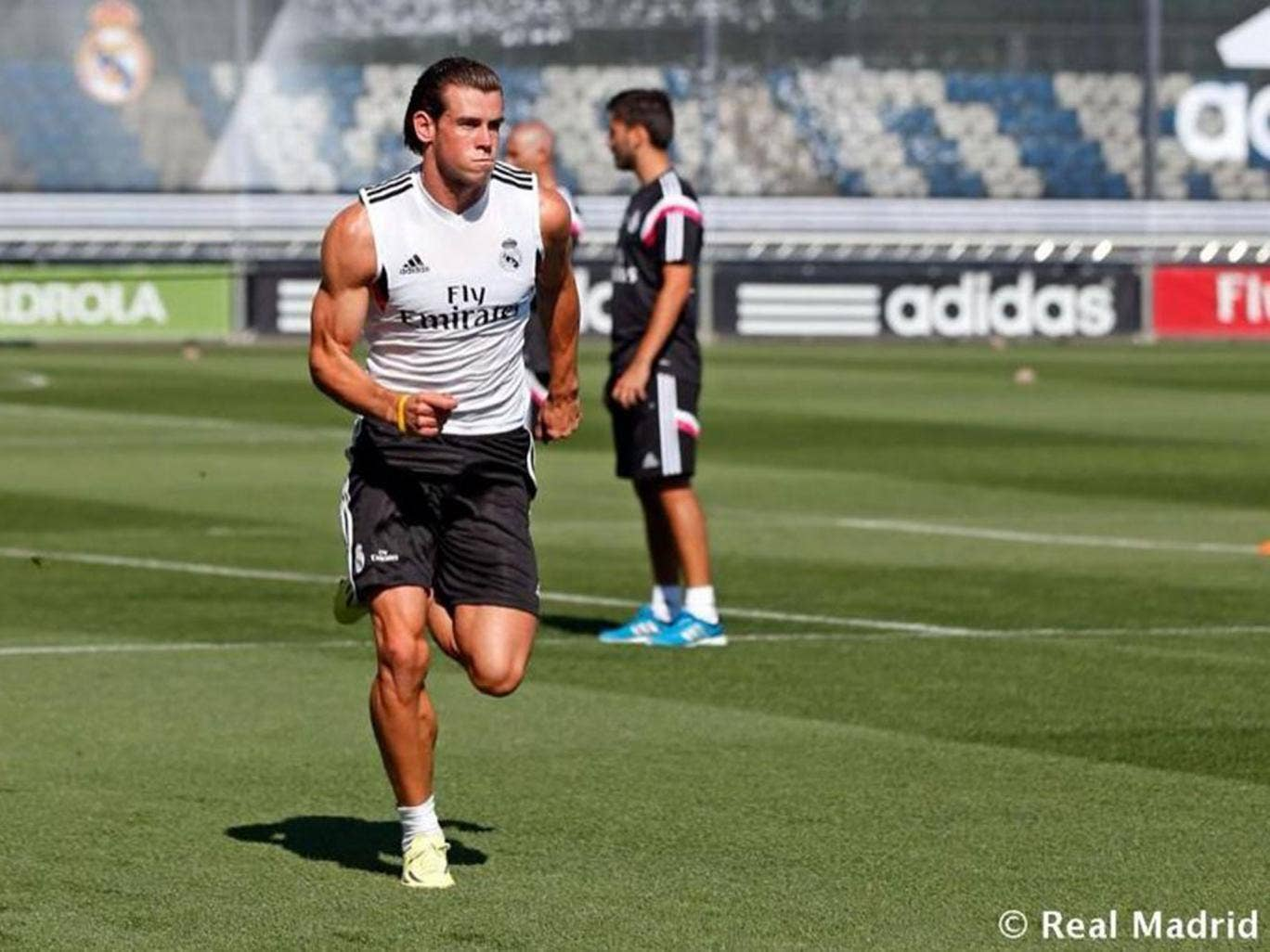 Gareth Bale sports a muscly new figure during Real Madrid training