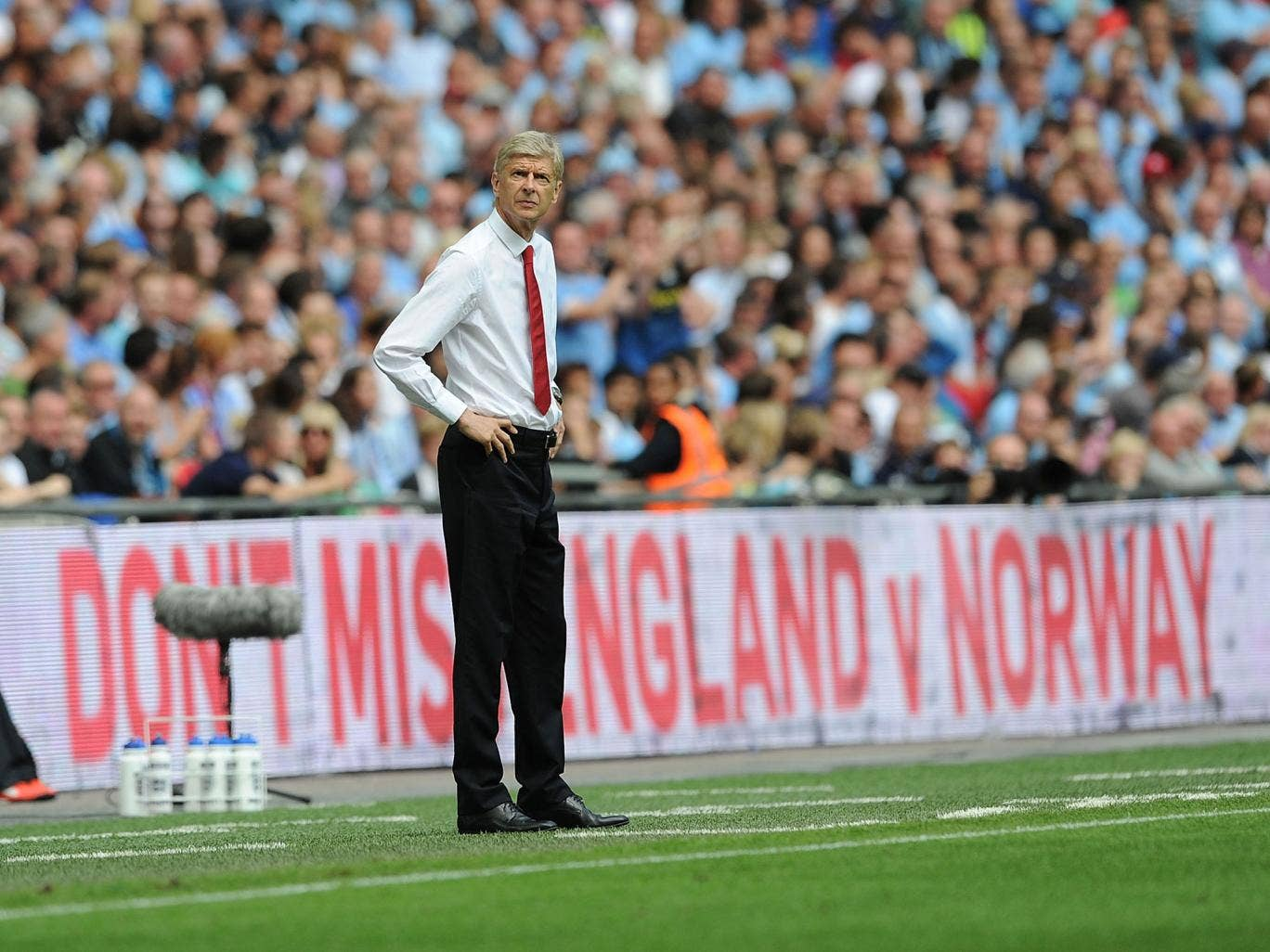 Arsenal boss Arsene Wenger admitted he is on the lookout for another centre-back